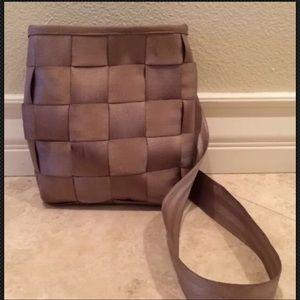 HARVEY'S The Original Seatbelt Cross Body Bag USA
